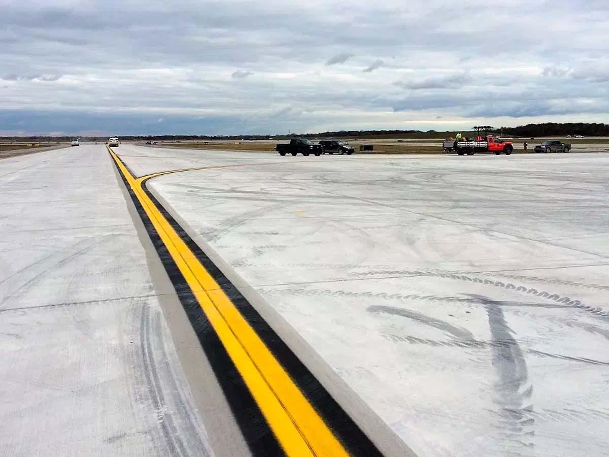 Airfield Pavement Rehabilitation and Modification, Detroit Metropolitan Airport